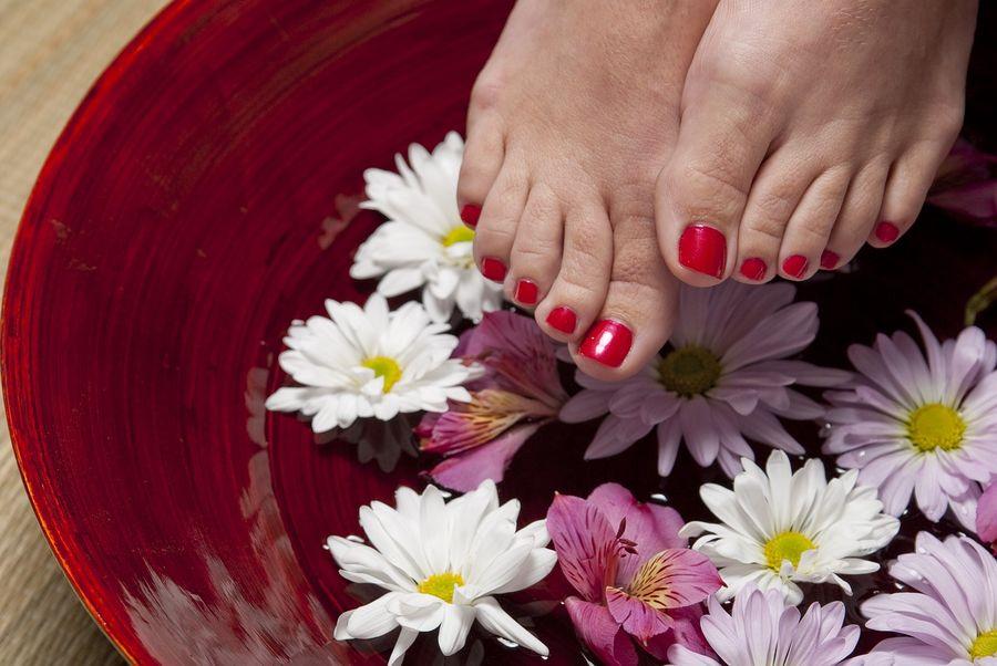 Zabiegi na złuszczające stopy